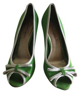 Jessica Simpson Green and White Pumps