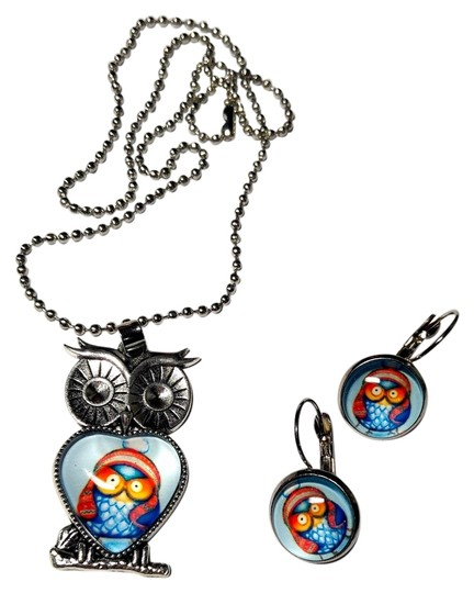 Preload https://img-static.tradesy.com/item/10264528/silver-teal-yellow-red-owl-pendant-french-hook-cabochon-earrings-tone-j1763-necklace-0-1-540-540.jpg