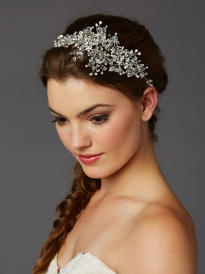 Preload https://item1.tradesy.com/images/silver-vine-with-lavish-crystals-sprays-hair-accessory-10264585-0-0.jpg?width=440&height=440