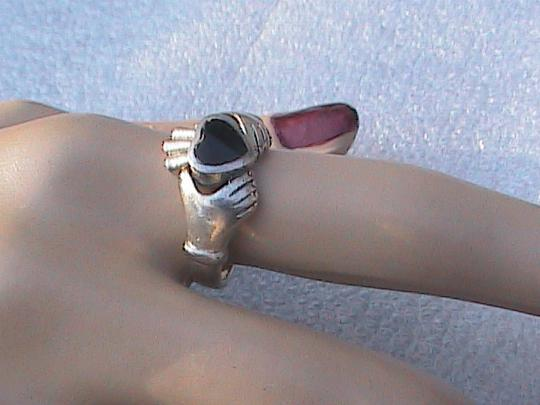 Other Vintage Claddagh Black Onyx Sterling Ring (144)