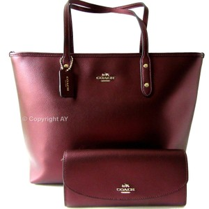Coach Zip Top F37153 Crossgrain Leather Pop Slim Envelope Wallet Bramble Rose Removable Pouch F53570 Tote in Metallic Cherry
