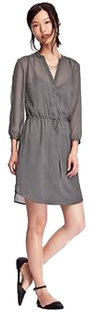 Preload https://item5.tradesy.com/images/old-navy-grey-with-dots-crinkle-chiffon-above-knee-short-casual-dress-size-12-l-10272409-0-1.jpg?width=400&height=650