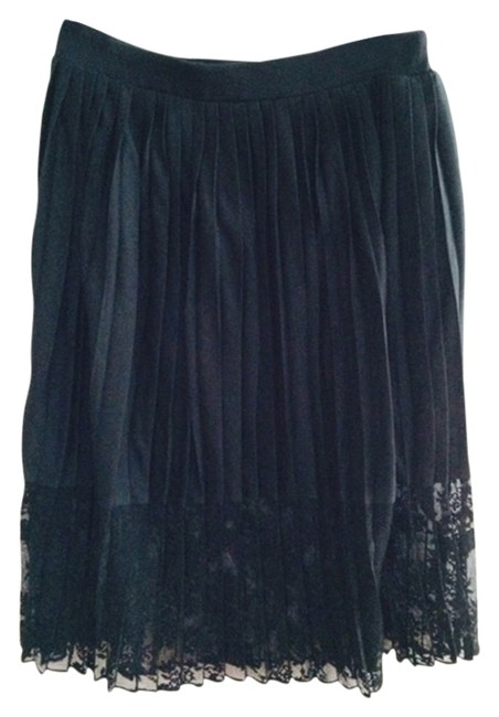 Preload https://item2.tradesy.com/images/french-connection-black-midi-skirt-size-2-xs-26-10274536-0-1.jpg?width=400&height=650