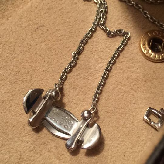 Louis Vuitton Stand by Me White Gold Necklace