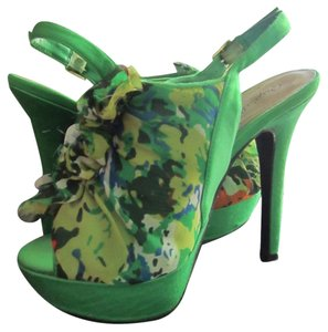 Qupid Platform Slingback Peep Toe Green Pumps