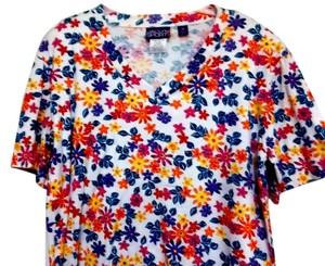 Jaclyn Smith Floral Casual Short Sleeves Knit Size M Cotton Top Multicolor