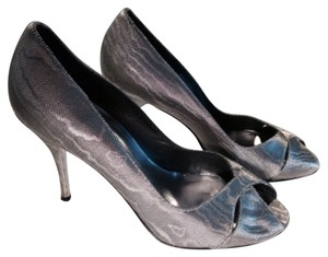 Stuart Weitzman Metallic silver Formal