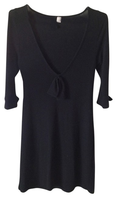 Preload https://item1.tradesy.com/images/lux-sweater-dress-black-1028000-0-0.jpg?width=400&height=650