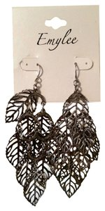 Emylee Dangle earrings