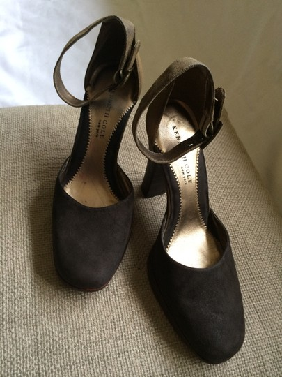 Kenneth Cole Suede Olive Pumps