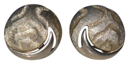 Preload https://item1.tradesy.com/images/silver-vintage-clip-round-tone-crescent-moon-c-1960-earrings-10283755-0-1.jpg?width=440&height=440