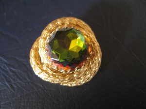 Vintage Pin - Gold Rope with Amber Green Stone 1-1/2