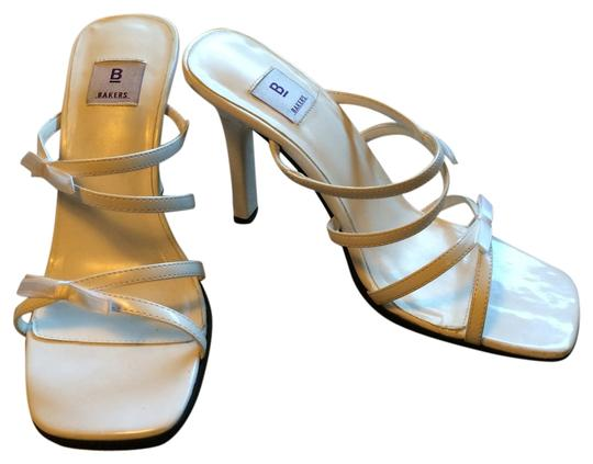 Preload https://item4.tradesy.com/images/bakers-white-pumps-1028463-0-0.jpg?width=440&height=440