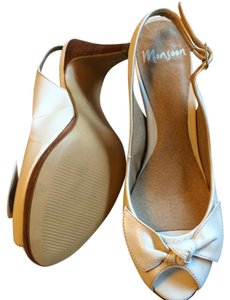 Monsoon Ivory Pumps