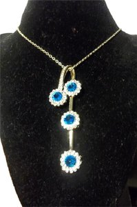 Other Beautiful Ocean Blue Crystal Necklace & Earring Set