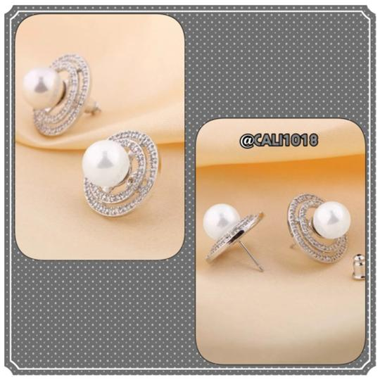 Other Faux Pearl White Sapphire
