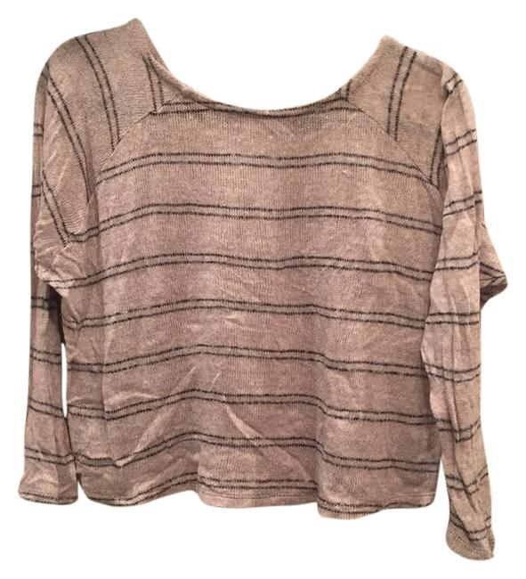 Preload https://img-static.tradesy.com/item/10290445/brandy-melville-beige-with-black-stripes-sweaterpullover-size-os-one-size-0-3-650-650.jpg