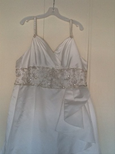Jasmine Ivory Wedding Dress Size 16 (XL, Plus 0x)