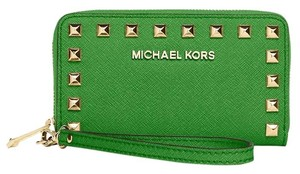 Michael Kors Selma Stud Multifunction Iphone 4/4s & 5/5s Wallet Zip Around Wristlet in Palm Green