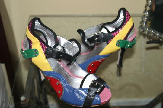 Bakers Mixed Media Red Green Black Blue Yellow Patient Leather Size 10 Multi Pumps