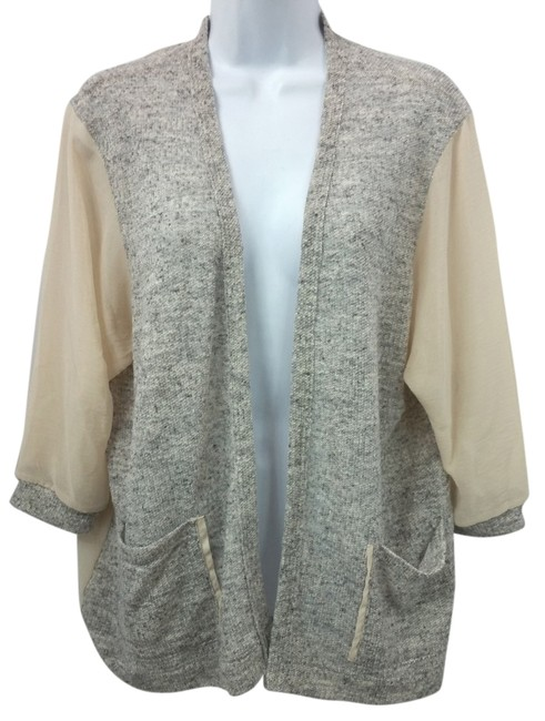 Preload https://img-static.tradesy.com/item/10295752/silence-noise-beigegray-chiffon-and-knit-open-front-blouse-size-6-s-0-2-650-650.jpg