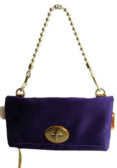 Preload https://img-static.tradesy.com/item/10296892/coach-amanda-foldover-flap-style-12926-purple-satin-clutch-0-1-540-540.jpg