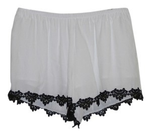 BB Dakota Mini Bb Medium Nwt Shorts White black trim