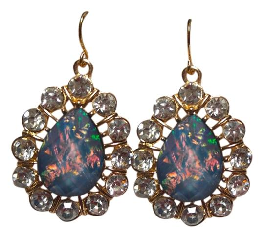 Preload https://item1.tradesy.com/images/blue-gold-silver-new-green-crystal-tone-dangle-earrings-large-j1765-10299190-0-1.jpg?width=440&height=440
