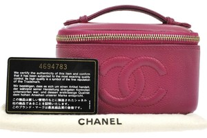 Chanel Authentic CHANEL CC Cosmetic Hand Bag Pouch Pink Caviar Skin Leather VTG BA00775