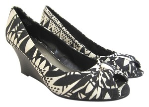 Jones New York Black & White Wedges