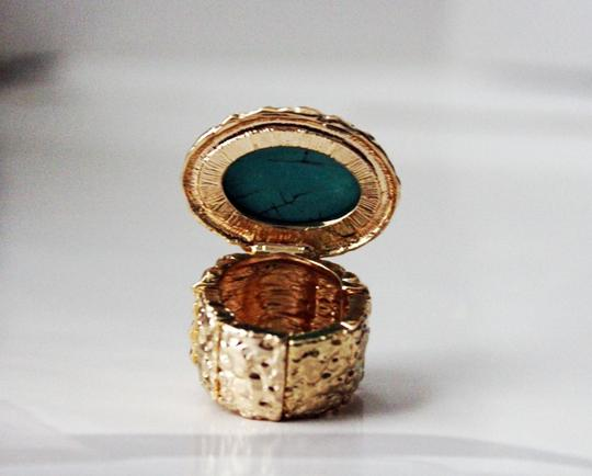 Other Turquoise Stone Gold Plated Stretchable Knuckle Ring.