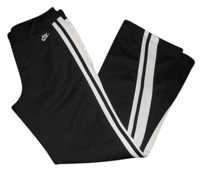 Preload https://item2.tradesy.com/images/nike-black-and-white-pant-activewear-size-4-s-27-10305121-0-1.jpg?width=400&height=650
