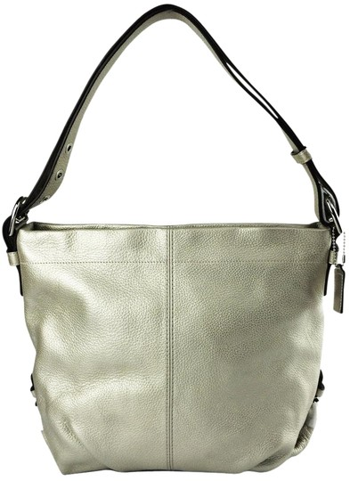 Preload https://item3.tradesy.com/images/coach-f15064-duffle-convertible-crossbody-metallic-silver-leather-shoulder-bag-10308037-0-5.jpg?width=440&height=440