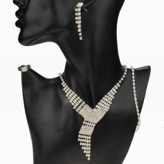Preload https://item5.tradesy.com/images/silver-bogo-free-bundle-your-choice-free-shipping-3pc-jewelry-set-10310749-0-0.jpg?width=440&height=440