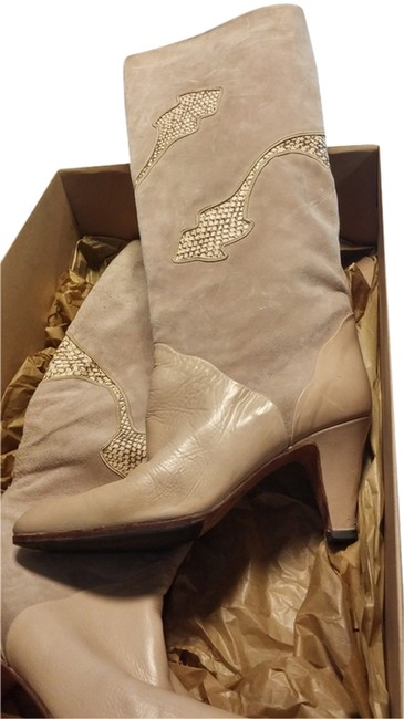 Item - Carmel Leather Pattern Design On Suede. Classic Design Boots/Booties Size US 6.5 Regular (M, B)