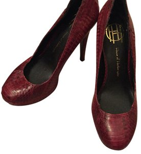 House of Harlow 1960 dark red Pumps
