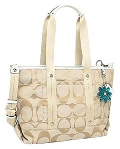 Coach Tote in Khaki / Tan