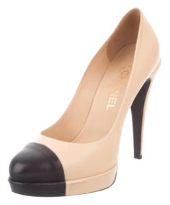 Chanel Pumps Stiletto Leather Heels Cap Cap Toe Beige and black Platforms