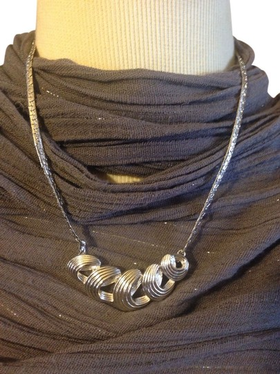 Preload https://item1.tradesy.com/images/silver-necklace-1031695-0-0.jpg?width=440&height=440