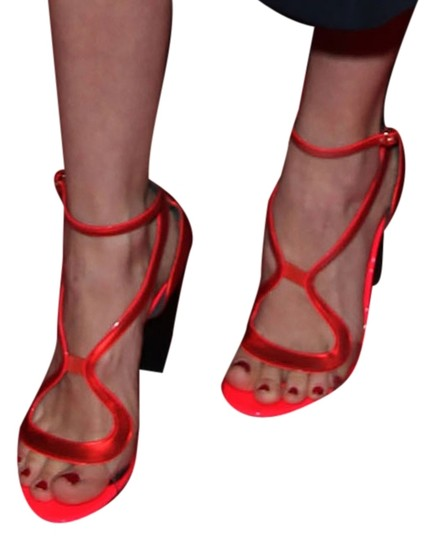 Preload https://item3.tradesy.com/images/nicholas-kirkwood-red-patent-leathter-pumps-size-us-85-regular-m-b-10330342-0-1.jpg?width=440&height=440
