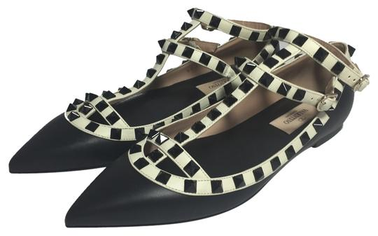 Preload https://item3.tradesy.com/images/valentino-black-and-white-rockstud-colorblock-cage-36-flats-size-us-55-regular-m-b-10330357-0-1.jpg?width=440&height=440