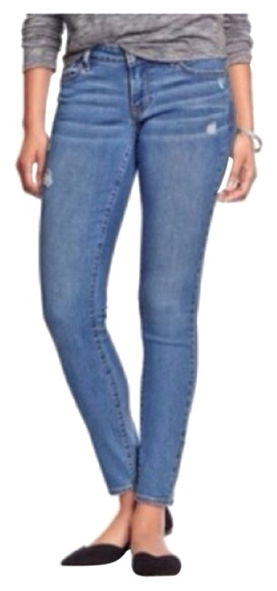Preload https://img-static.tradesy.com/item/10330417/old-navy-light-rinse-distressed-denim-skinny-jeans-size-24-0-xs-0-1-650-650.jpg