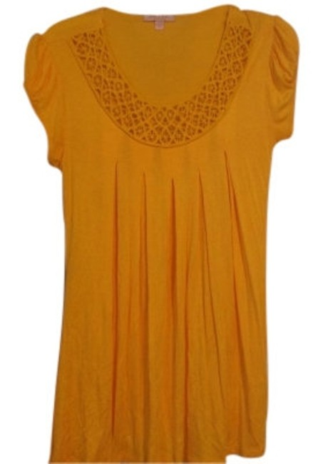 Preload https://img-static.tradesy.com/item/10331/romeo-and-juliet-couture-yellow-summer-weight-tunic-size-8-m-0-0-650-650.jpg