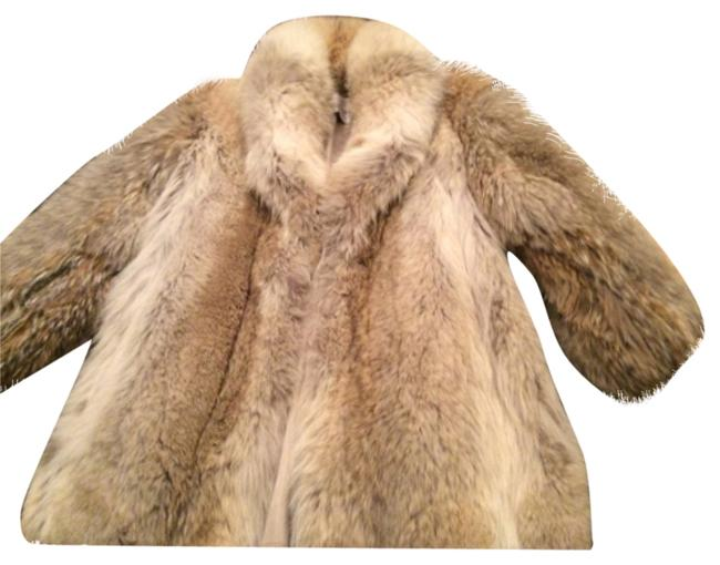 Preload https://item4.tradesy.com/images/gold-genuine-lynx-fur-coat-size-os-one-size-10334698-0-1.jpg?width=400&height=650