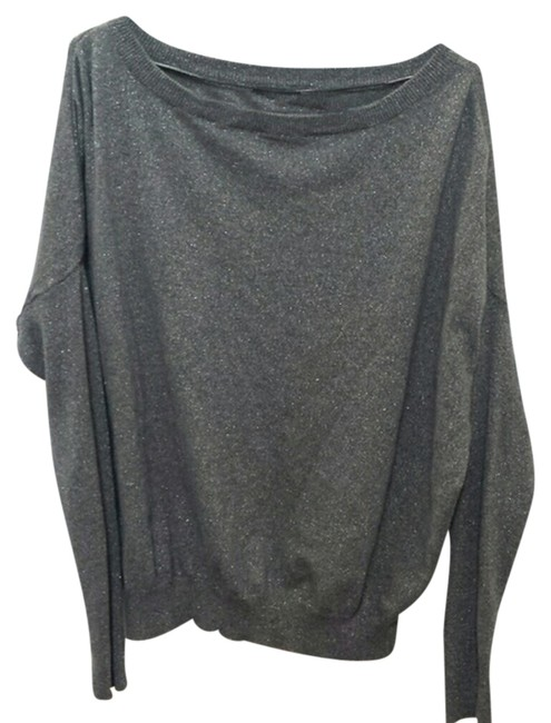 Preload https://item2.tradesy.com/images/gray-knitted-sweaterpullover-size-4-s-10335871-0-1.jpg?width=400&height=650