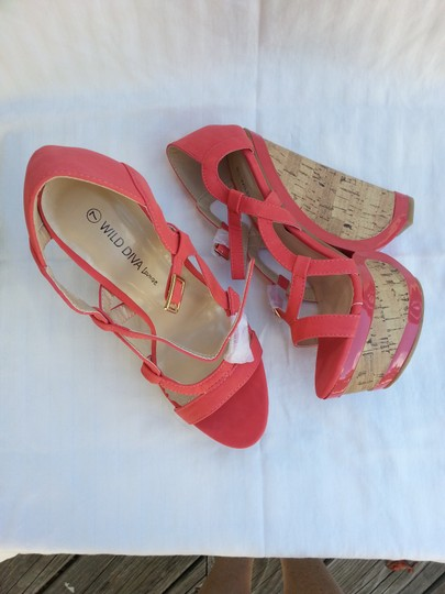 Wild Diva Coral Wedges