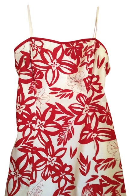 Item - Red/White Knee Length Night Out Dress Size 12 (L)