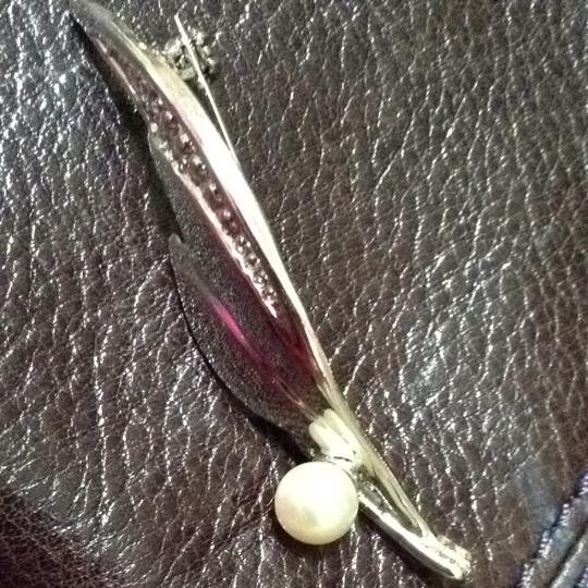 Other Vintage Silver And Pearl Brooch