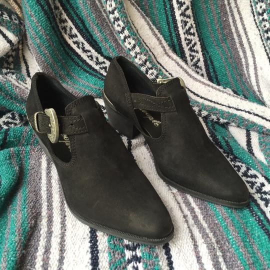 Free People 39 Euro Landlocked 39 Suede Distressed black Boots