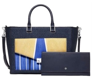 Tory Burch Tote in Tory Navy Combo